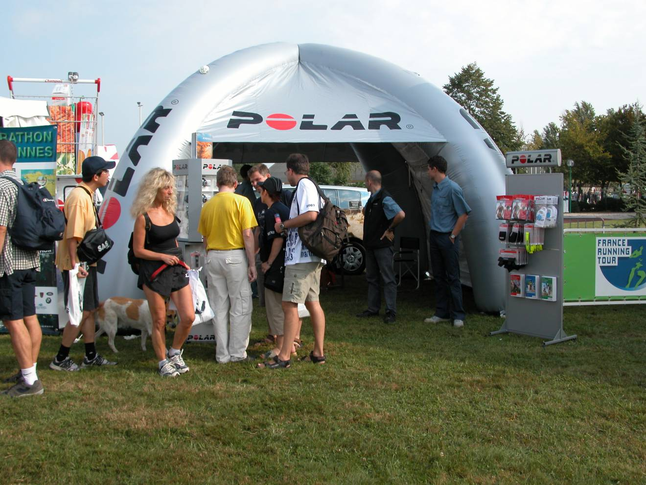 Tents Giant inflatable tents X-Treme Creations & Giant inflatable tents: a roof above your head in no time