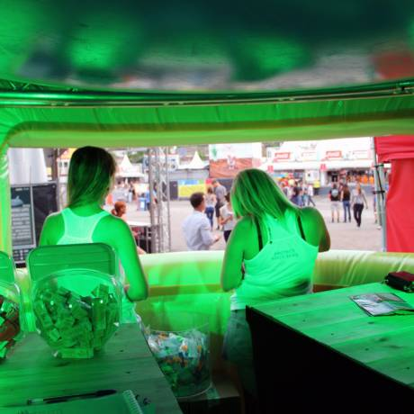 Events Trek de aandacht op een event festivalstand, stand X-Treme Creations