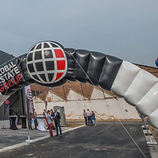 Giant inflatable bogen Boog, Raceboog, Wedstrijdboog, Reclameboog, Global Estate Group, sport X-Treme Creations