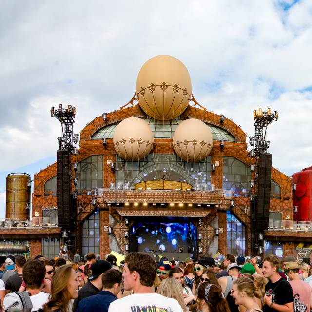 Parookaville Stage Giant inflatables X-Treme Creations
