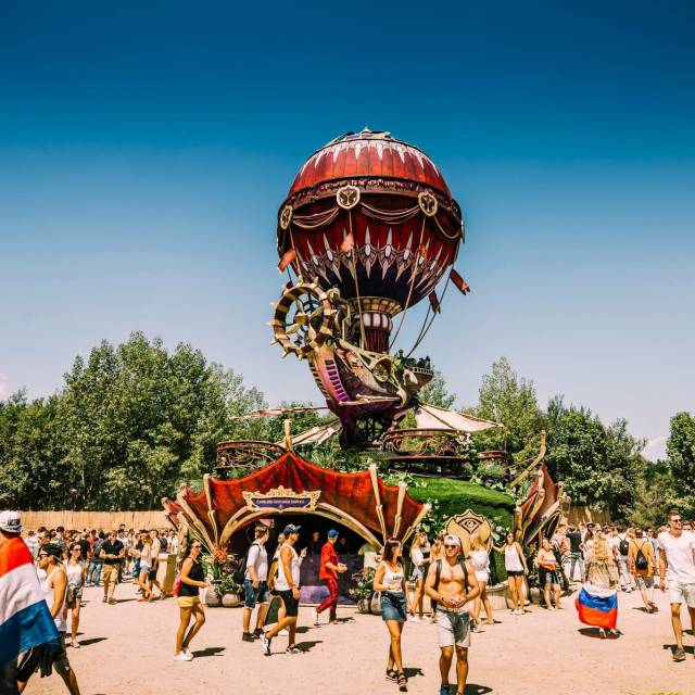 Inflatable luchtschip Tomorrowland Gigantische opblaasobjecten X-Treme Creations