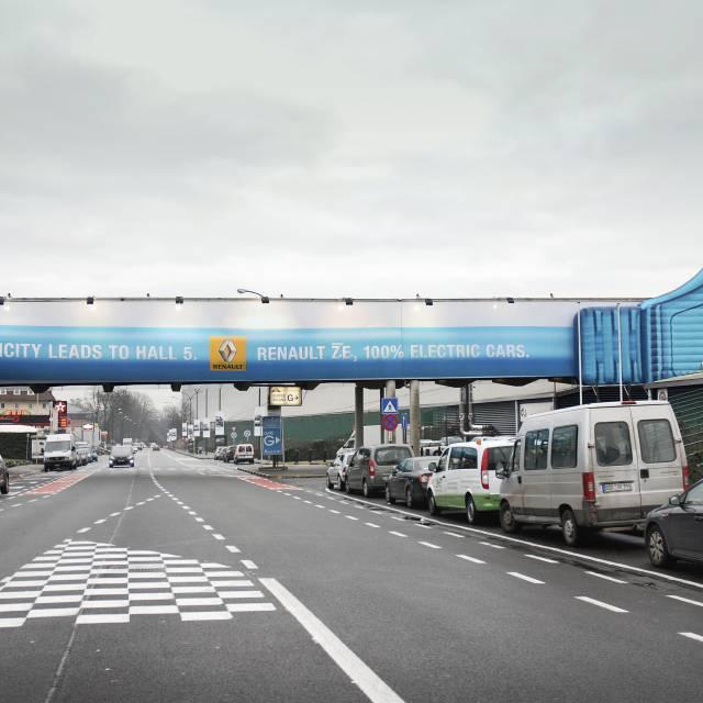 Giant inflatable plug with vinyl print Gigantische opblaasobjecten X-Treme Creations