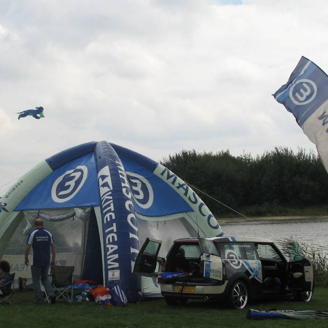 Giant inflatable tenten Kite, surf, tenten X-Treme Creations