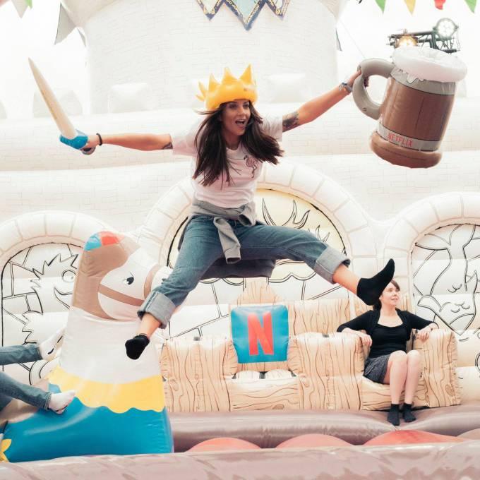 Gonflables géants comme matériel de promotion | X-Treme Creations Events  & POS/POP  & Festivals  & La renommée de la marque  &  Netflix MNSTR X-Treme Creations