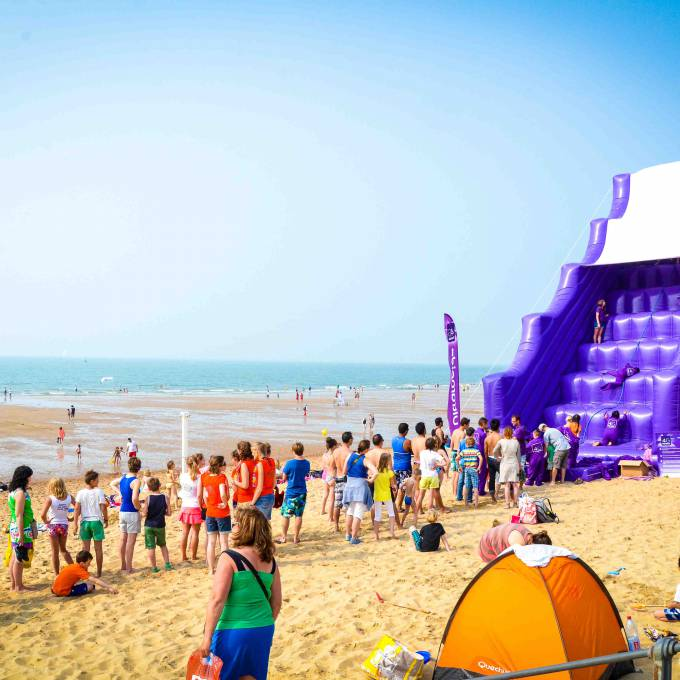 Giant inflatables are X-Treme Creations' core business.  Events  & Festivals  & Corporate branding  & Brand activation  &  Proximus Demonstr8 X-Treme Creations