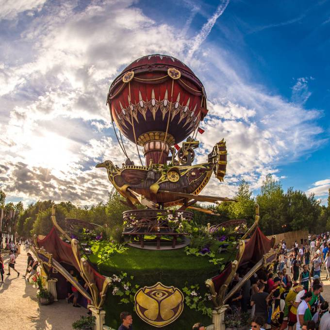 Large inflatable promotional material | X-Treme Creations Viking-inspired steampunk airship at the Tomorrowland Festival in Boom Festivals  & Events  &  ID&T Tomorrowland X-Treme Creations