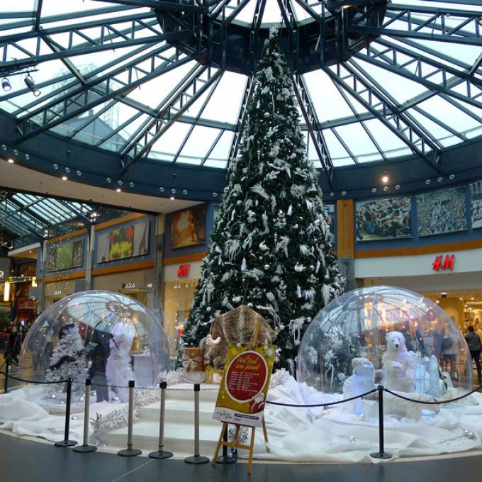Large inflatable promotional material | X-Treme Creations Transparent bubbles in a shopping mall with Christmas decoration Events  & Fairs  & Festivals  & Brand activation  &  De Meuter Wave X-Treme Creations