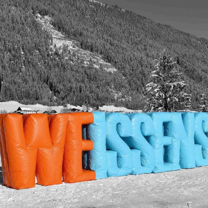 Groot opblaasbaar promotiemateriaal | X-Treme Creations Gigantische opblaasbare letters van 3 meter hoog van het woord Weissensee Events  & Festivals  & Kunst en design  &  X-Treme Creations
